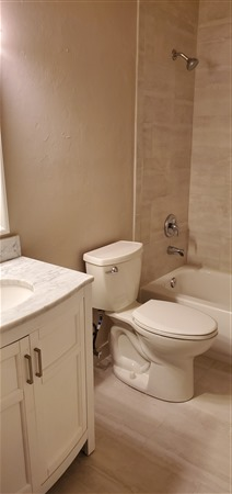 Example of remodeled bath at Indian Village